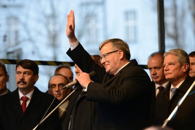 Prezydent Komorowski w Pradze - apel o solidarność z Ukrainą