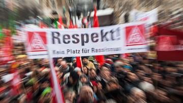 16-01-2016 16:51 Niemcy: manifestacja w Stuttgarcie przeciw rasizmowi i przemocy wobec imigrantów