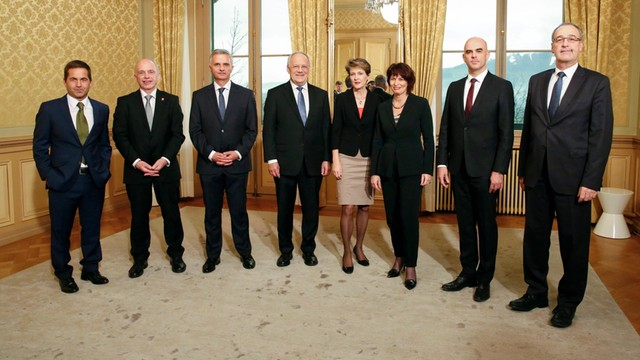 Szwajcaria: Antyimigrancka SVP zdobyła dwa z siedmiu miejsc w rządzie