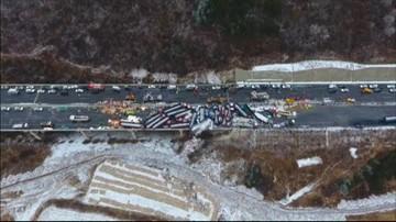22-11-2016 06:23 Chiny: 17 ofiar śmiertelnych karambolu kilkudziesięciu pojazdów [WIDEO]