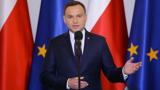 Prezydent prosi szefową MSW o wyjaśnienie wczorajszej decyzji ws.  uchodźców