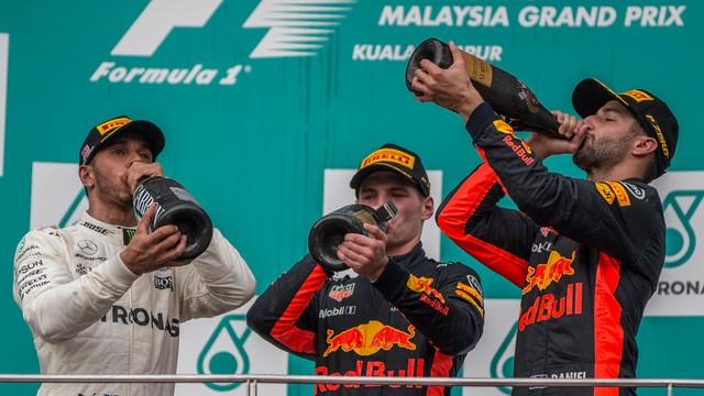 Formuła 1 - wygrana Verstappena, popis Vettela w Malezji