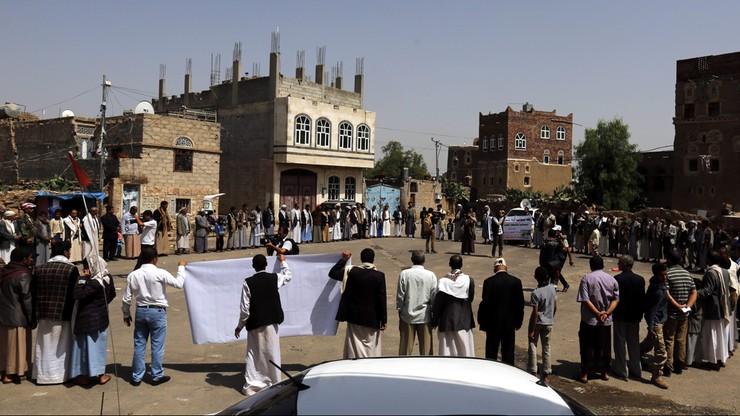 Lekarze bez Granic wycofują swój personel po ataku na szpital w Jemenie