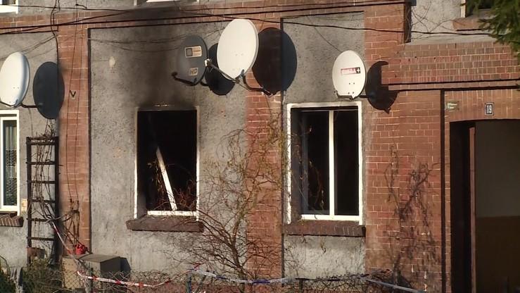 Zaprószenie Ognia Z Pieca Lub świeczki Wstępne Przyczyny Pożaru W