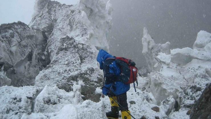 Wyprawa na K2: Bargiel czeka na poprawę pogody, 12 osób na szczycie