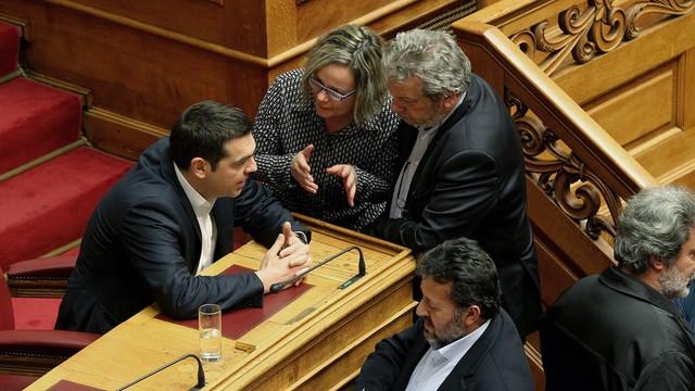 Grecja: parlament przyjął ustawę umożliwiającą odsyłanie migrantów