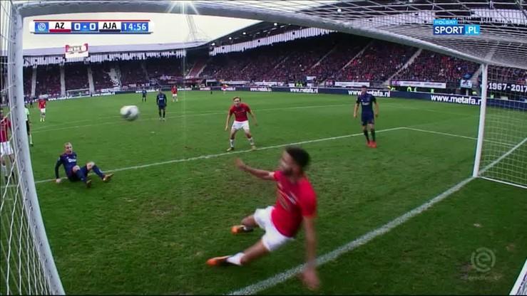 Ajax powstrzymany! Podwójna parada obrońcy AZ na linii bramkowej