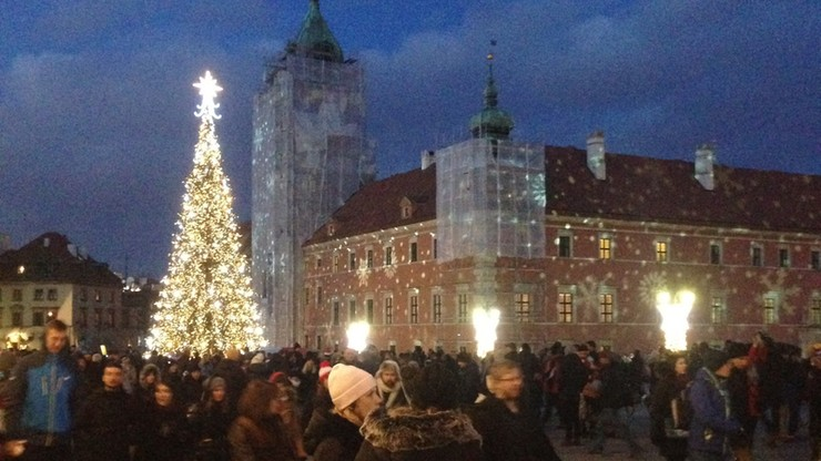 Warszawa zapaliła świąteczną iluminację. 680 kilometrów ledów