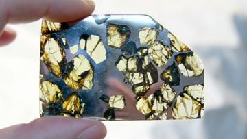 07-12-2015 21:07 Aukcja meteorytów w Paryżu. Najdroższy kosztował 130 tys. euro