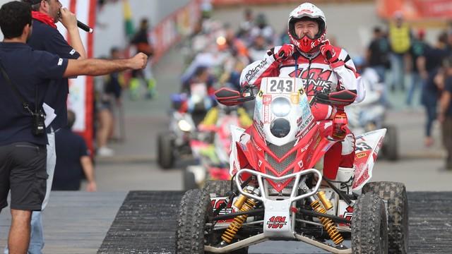 Rajd Dakar - Sonik piąty, Przygoński dziewiąty na pierwszym etapie