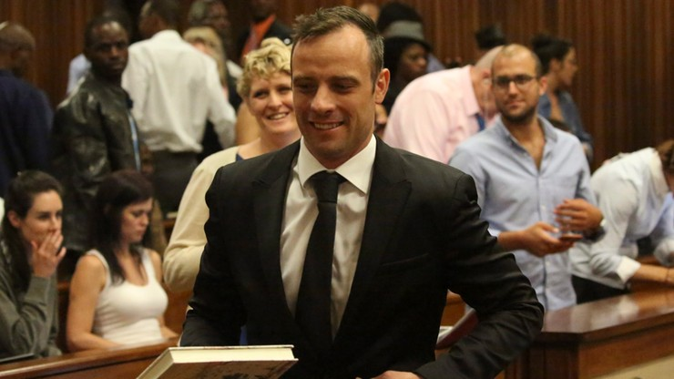 Pistorius na orzeczenie kary poczeka w areszcie domowym