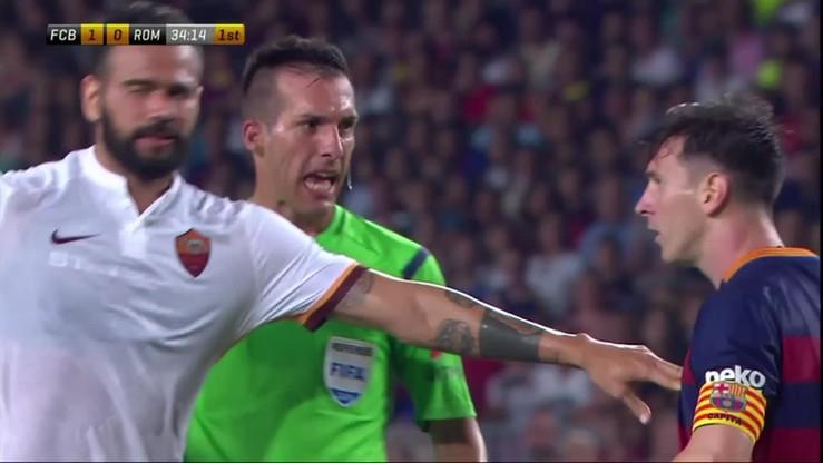 Messi uderza głową... rywala