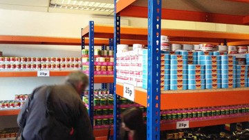 03-02-2016 17:21 Londyn: otworzył market, w którym wszystko kosztuje 25 pensów. Chce pokonać Aldi i Lidla
