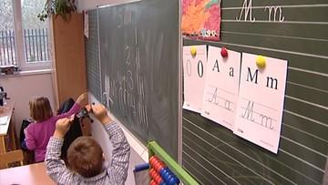 05-02-2016 15:15 Samorządy przekonują rodziców do posyłania 6-latków do szkół: 500 zł w Sosnowcu, 1000 zł w Opolu