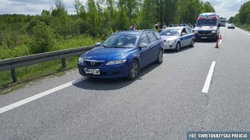 28-05-2017 13:59 Świętokrzyskie: uciekali z policjantem na masce samochodu