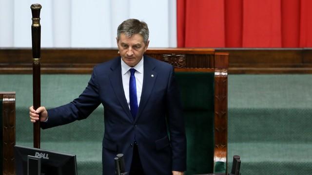 Kuchciński: apeluję do posłów zajmujących salę plenarną, by opuścili Sejm