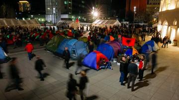 23-02-2016 19:50 Kosowo: opozycja rozbiła namioty przed gmachem rządu