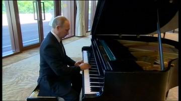 14-05-2017 22:06 Czekając na prezydenta Chin, Putin zagrał na fortepianie