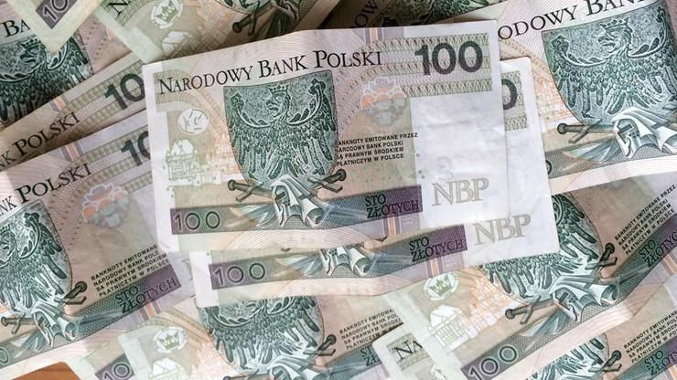 GUS: rośnie zatrudnienie i przeciętna pensja, w październiku wyniosła 4 tys. 110 zł