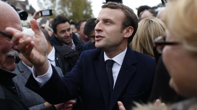 Francja: w sondażu Emmanuel Macron - 24 procent głosów, Marine Le Pen - 22 procent