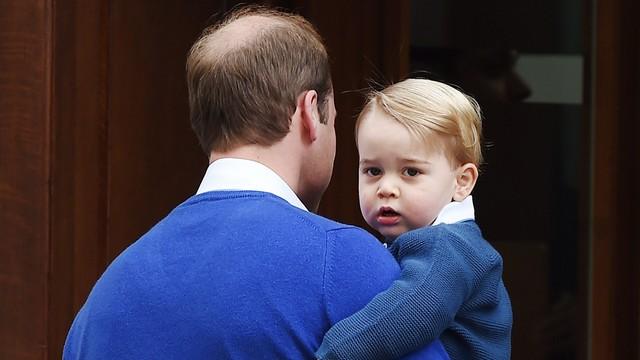 Książe George, trzeci w kolejce do tronu, kończy dwa lata