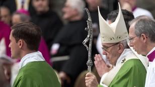 Papież apeluje o wysiłki na rzecz rozwiązania konfliktów na świecie