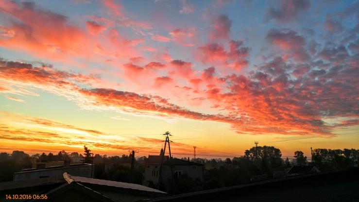 2016-10-14 Wschód słońca w Czerniewicach koło Włocławka