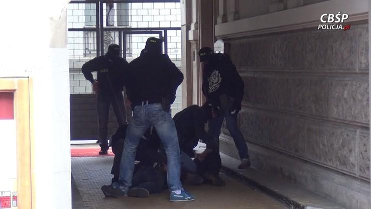 Trzech obcokrajowców zatrzymanych w Warszawie w sprawie narkotykowej