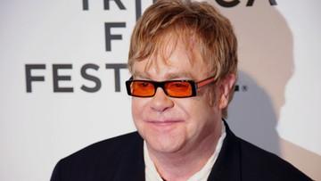 """30-03-2016 16:15 Elton John zaprzecza zarzutom o molestowanie. """"Motywowane chęcią zysku"""""""