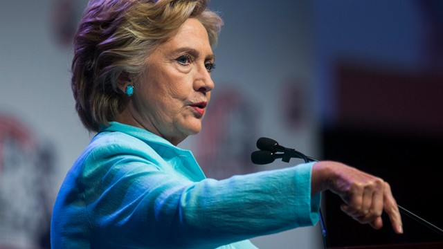 USA: Przewaga Clinton w sondażach zmalała do 3 proc.