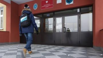 11-01-2017 12:14 Smog ustępuje, uczniowie z Rybnika wracają do szkół