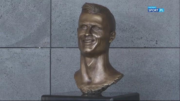 Czy aby na pewno jest to CR7? Odsłonięto absurdalne popiersie Ronaldo