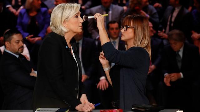 Le Pen kontra Macron. Kandydaci ostro starli się w telewizyjnej debacie