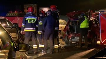 17-04-2017 20:35 Karambol na A2 niedaleko Poznania. Jedna osoba nie żyje, 9 zostało rannych. Zderzyły się 23 auta