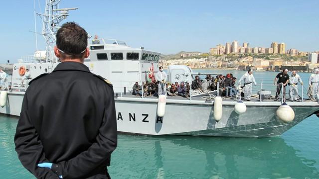W środę w Cieśninie Sycylijskiej uratowano prawie 1,5 tys. migrantów