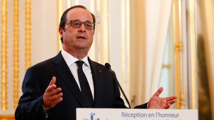 Ujawniono ile zarabia fryzjer Francois Hollande'a. Internauci już zareagowali