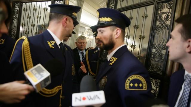 Prokuratura przeanalizuje nagrania z głosowania w Sali Kolumnowej