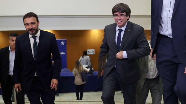 Puigdemont: Katalonia ogłosi secesję, jeśli Madryt zawiesi jej autonomię