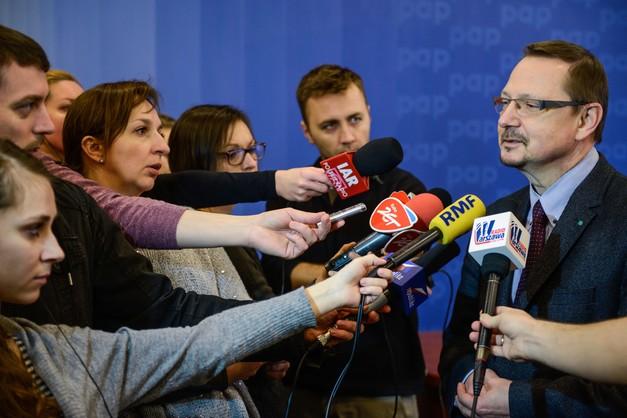 PZ: po 1 stycznia zamknięta ponad połowa gabinetów