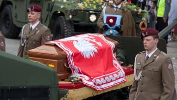 06-11-2016 11:43 Po ekshumacji Lecha i Marii Kaczyńskich nie będzie oficjalnego pogrzebu na Wawelu