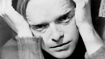 27-09-2016 12:36 Prochy pisarza Trumana Capote sprzedane na aukcji. Za ponad 43 tys. dolarów