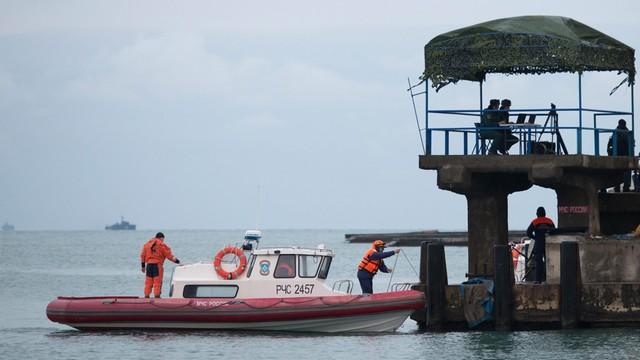 Rosja: kapitan próbował posadzić samolot Tu-154 na wodzie