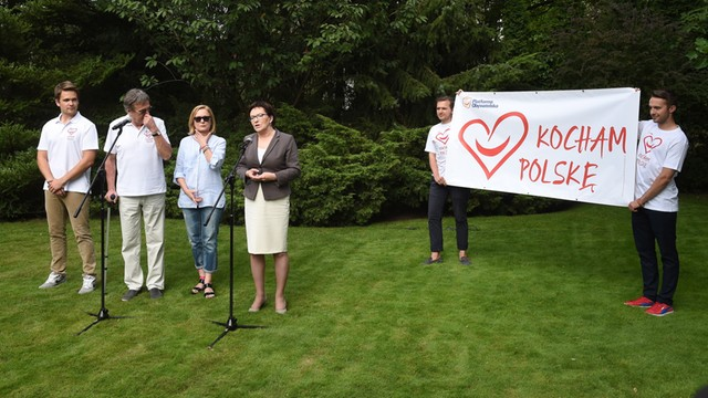 Premier zainaugurowała akcję Kocham Polskę
