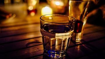 Picie alkoholu korzystnie wpływa na zdrowie - ale tylko regularne i umiarkowane