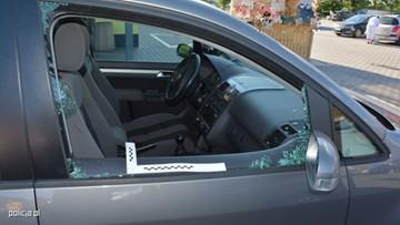 01-08-2017 11:09 Zostawiła dzieci w nagrzanym samochodzie. I poszła na zakupy