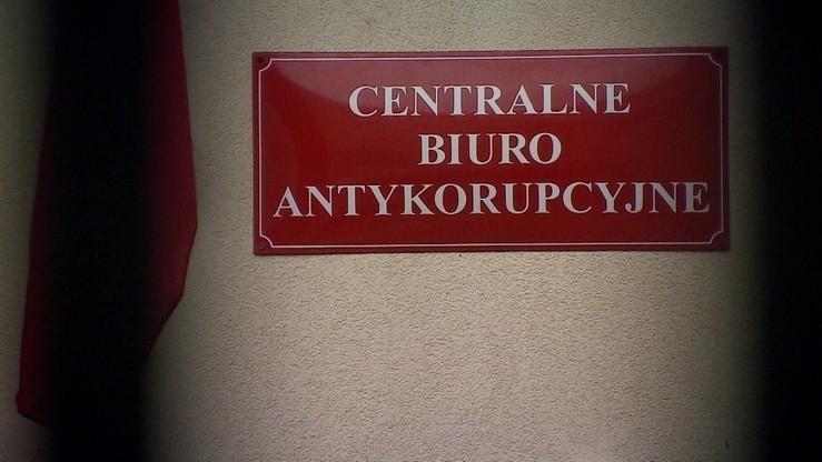CBA zatrzymała mężczyznę powołującego się na wpływy w Urzędzie Skarbowym i u komornika