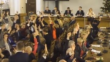 """28-12-2016 14:04 """"»Dokładają« głosy, których nie ma"""". Nowoczesna skieruje kolejny wniosek do prokuratury ws. głosowań w Sejmie"""
