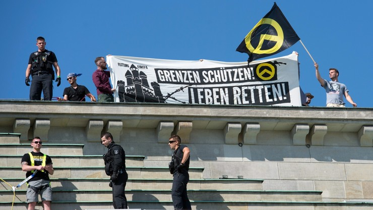 """Skrajna prawica protestowała w Berlinie przeciwko """"islamizacji"""""""