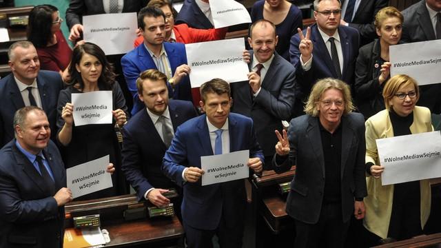 Opozycja upomina się o obecność dziennikarzy w Sejmie