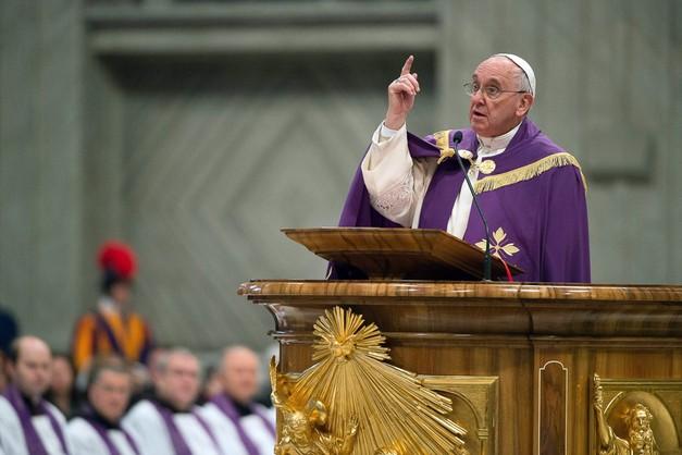 Papież: świat stara się ukryć prześladowania chrześcijan